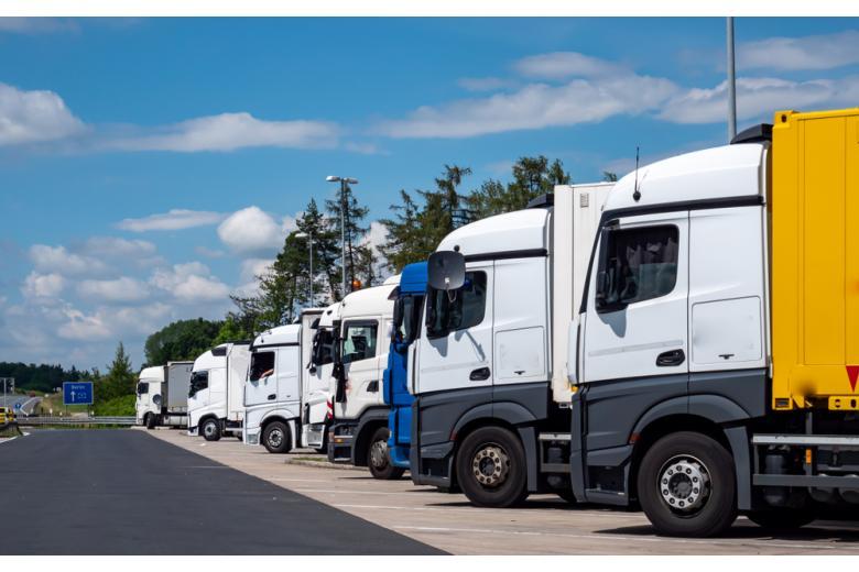 На горизонте кризис? В Германии не хватает водителей грузовиков*