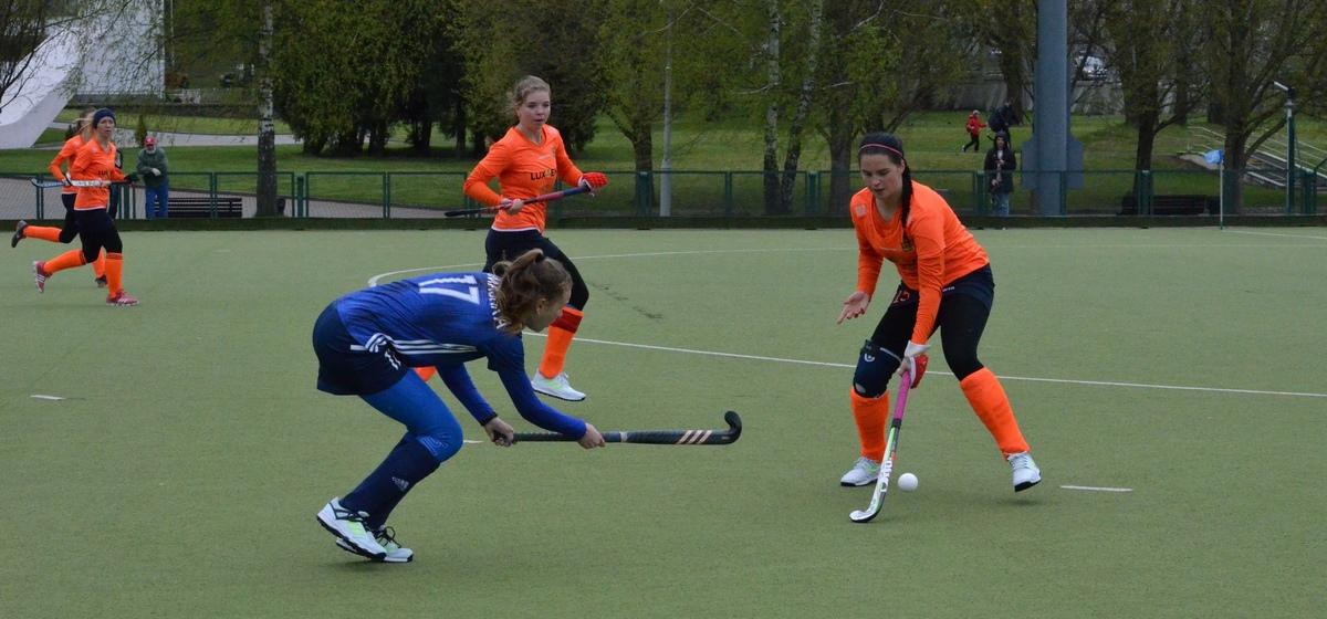 С каким результатом завершились стартовые поединки «Текстильщика-БарГУ» в чемпионате страны по хоккею на траве
