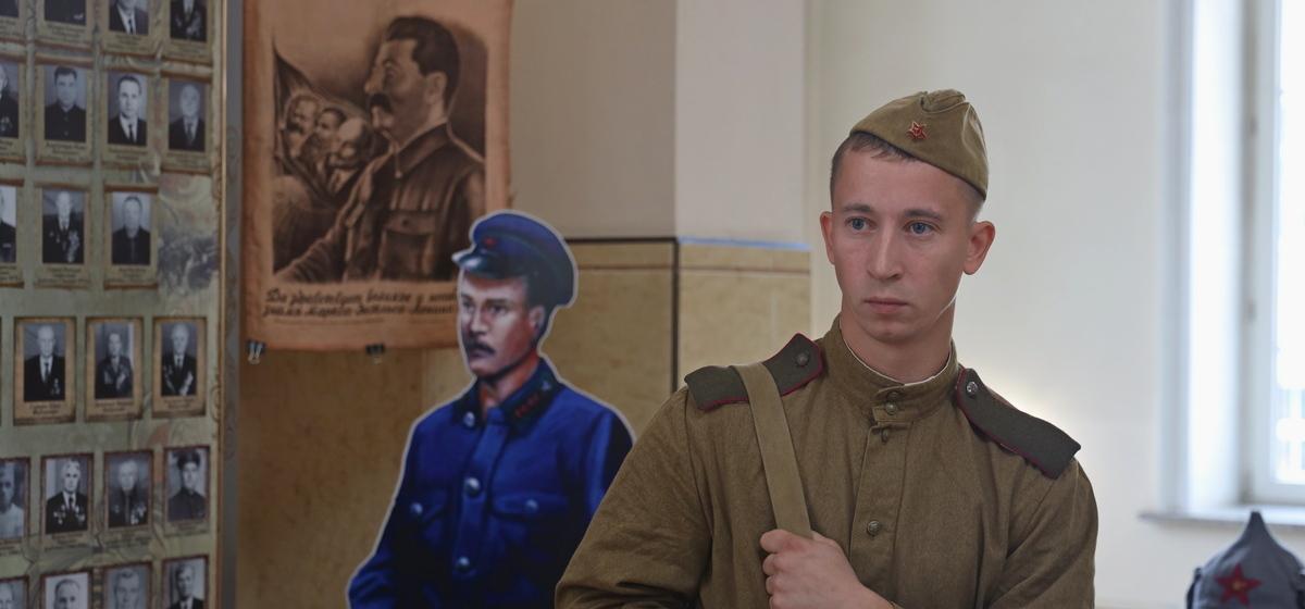 Макеты паровозов и портреты Сталина. Музейную экспозицию открыли на Полесском вокзале