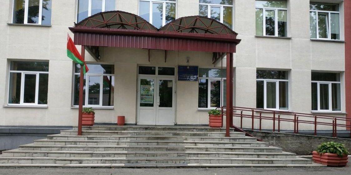 Минздрав: в больнице находятся пять учащихся гимназии, в которой отравились дети