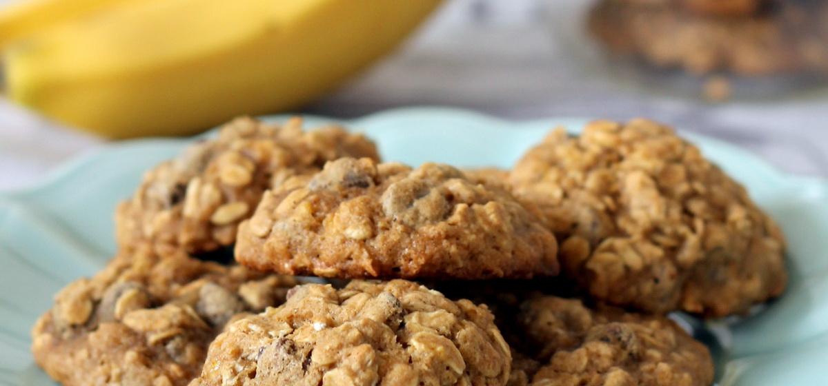 Как приготовить печенье из овсяных хлопьев и банана. Видео