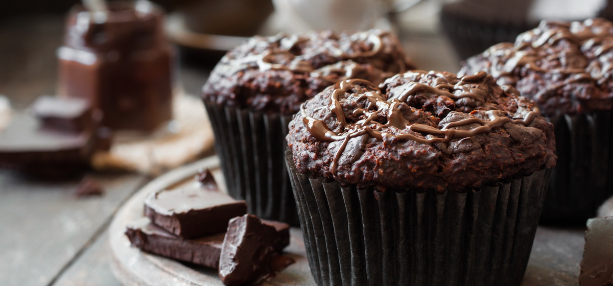 Как приготовить шоколадные маффины. Видео