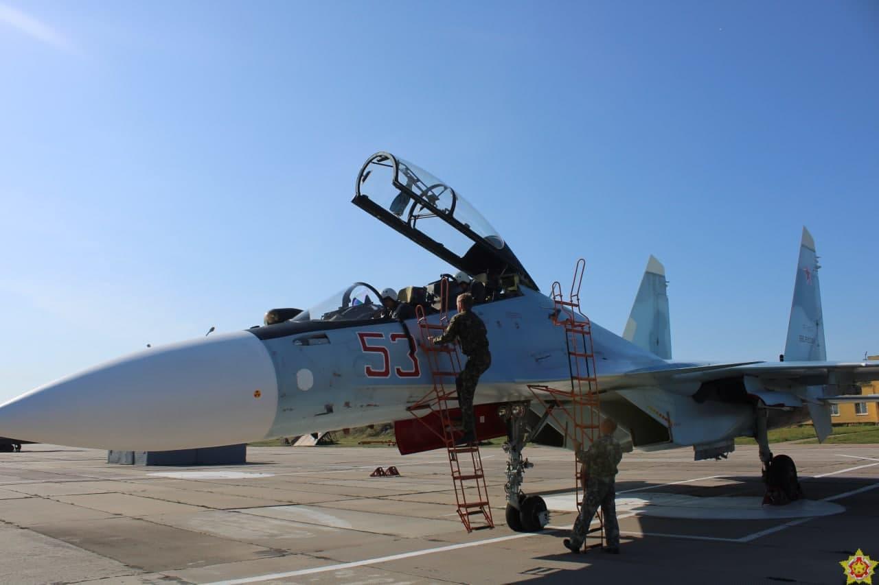 Прибытие российских войск на аэродром в Барановичи. Фото Минобороны РФ