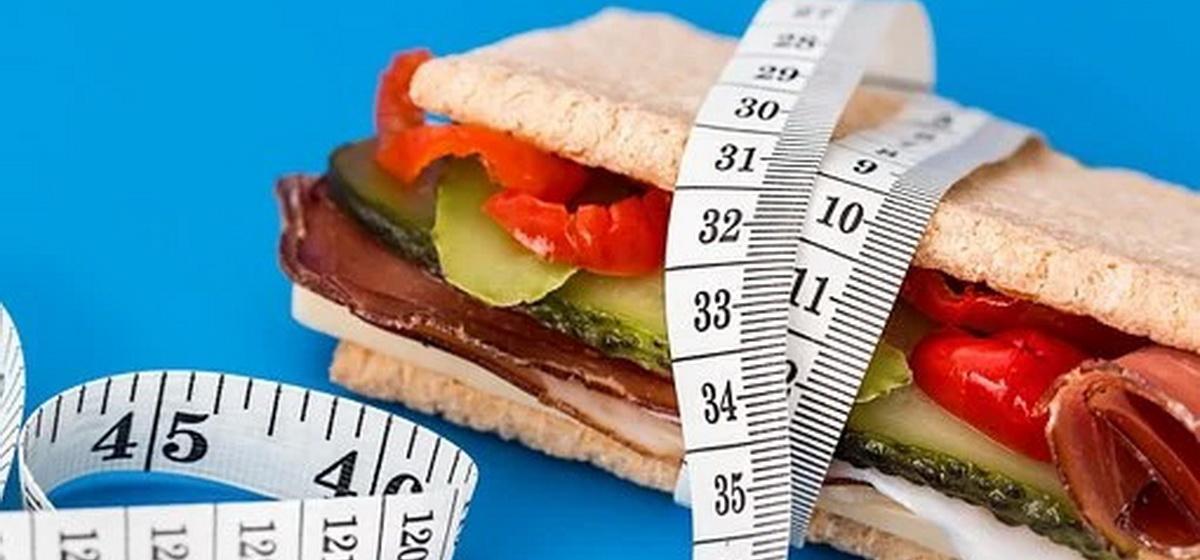 Какие главные ошибки мы допускаем при похудении, объяснили диетологи