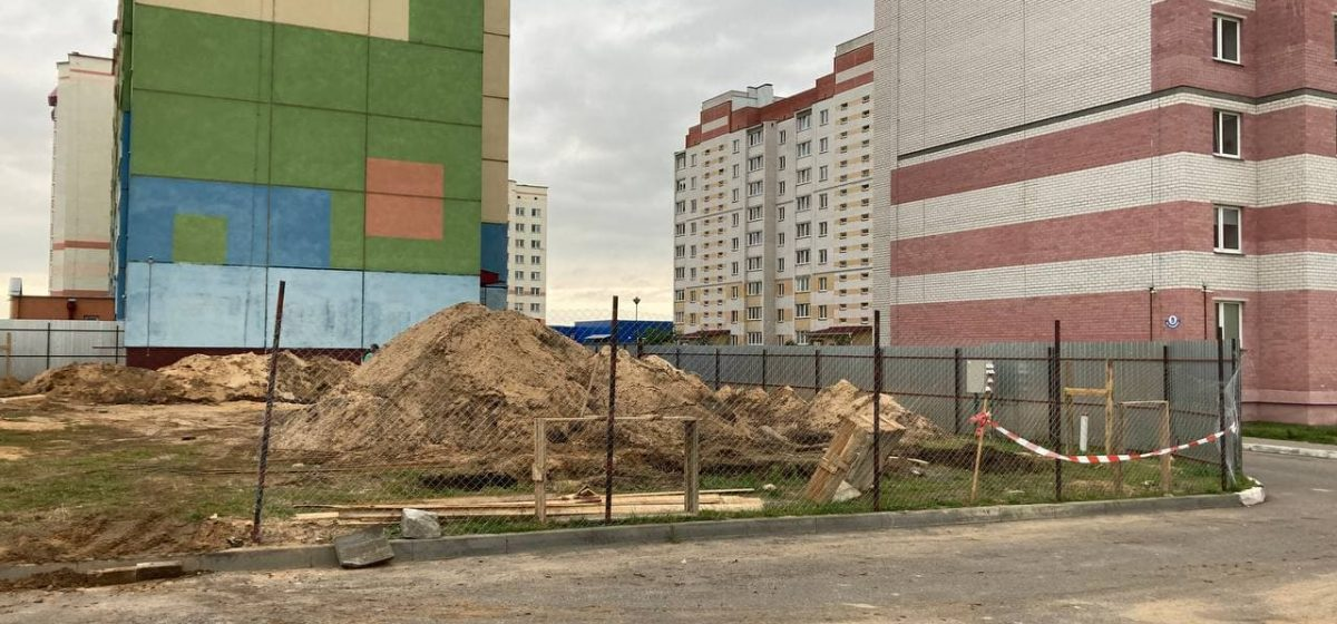 Строительство пекарни возмутило жителей микрорайона Боровки в Барановичах. Что случилось?