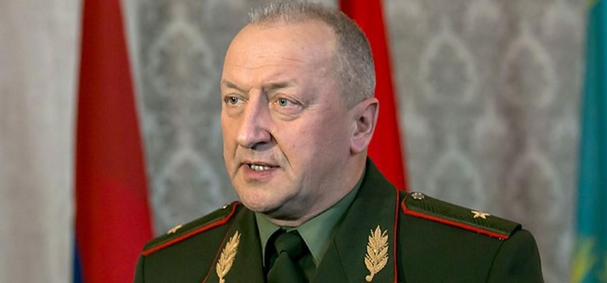 Экс-глава Генштаба Беларуси на похоронах сотрудника КГБ: «Надо, как Путин сказал, «мочить в сортире» всех. За одного — двадцать, сто»