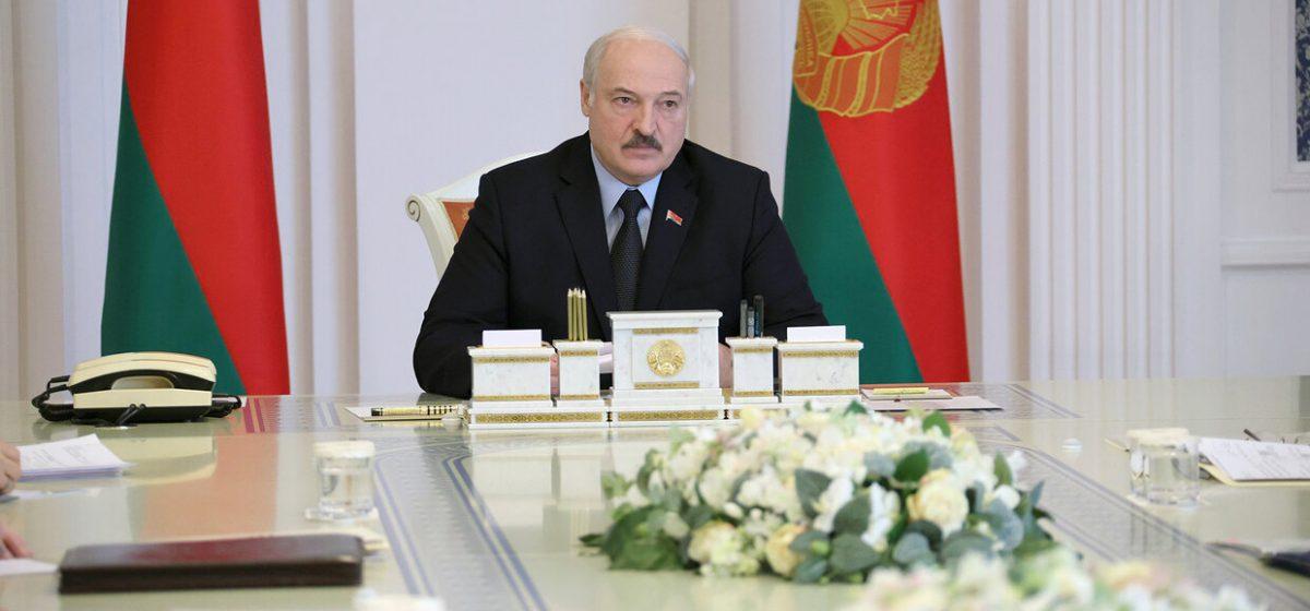 Лукашенко рассказал, почему при штурме квартиры Андрея Зельцера силовики были без бронежилетов
