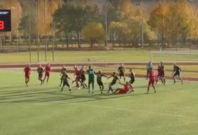 Вратарь ФК «Барановичи» забил гол на последних минутах матча и тем самым спас команду от поражения. Видео