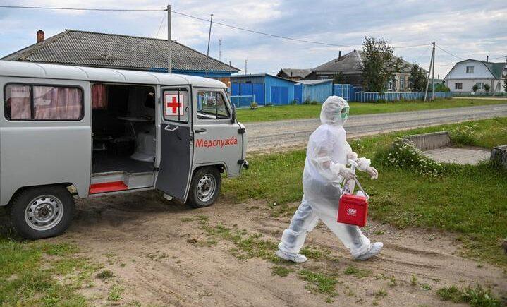 В Пинском районе отменили все массовые мероприятия. В Столинском прививку от коронавируса готовы сделать на дому