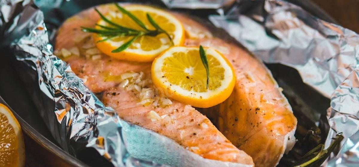 Как приготовить красную рыбу, запеченную в духовке. Видео